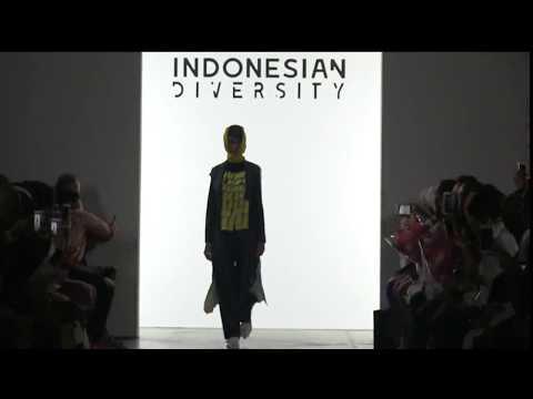 DIAN PELANGI - INDONESIAN DIVERSITY - NEW YORK FASHION WEEK FIRST STAGE S/S 18