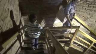 Болонья Италия. Towers of the Asinelli Bologna(Италия В этом видео я покажу с высоты птичьего полета город Болонья И я поднимусь на высоту 100 метров пройдя..., 2013-05-21T06:59:28.000Z)