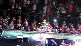 Rihanna Madison Square Garden Last girl on Earth tour Rockstar 101 guitar solo Thumbnail