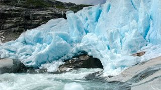 That's what happened on the Glacier Nigardsbreen and Sognefjord
