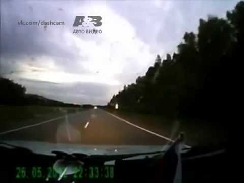 Near car and moose accident in Russia on dashcam! NEW 2 car accident