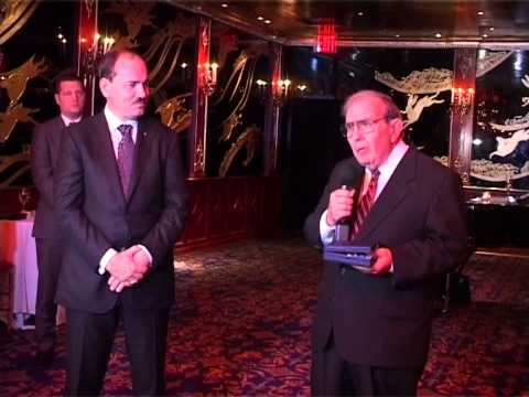 Presidenti i Shqiperise Nishani nderon shqiptaro amerikanet - RTV21 -Shtator 2014