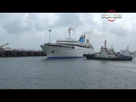 GOA 365 -Cruising Mumbai to Goa  1st set of passengers arrive