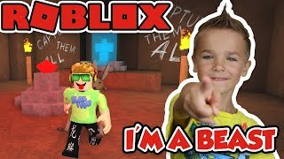 I'M A BEAST in ROBLOX FLEE THE FACILITY! RUN, HIDE, ESCAPE!