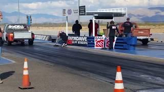 Roadkill Muscle truck vs Mopar Muscle truck race @ Roadkill Zip tie drags