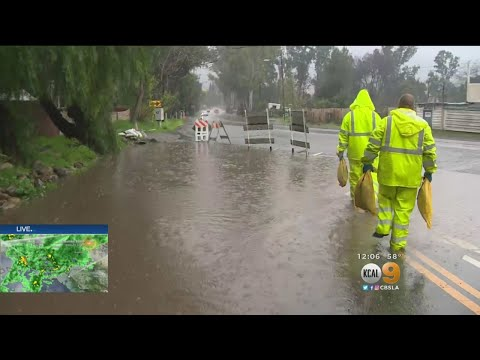 Heavy Rain Hits Southland As Officials Warn Residents To Be Prepared