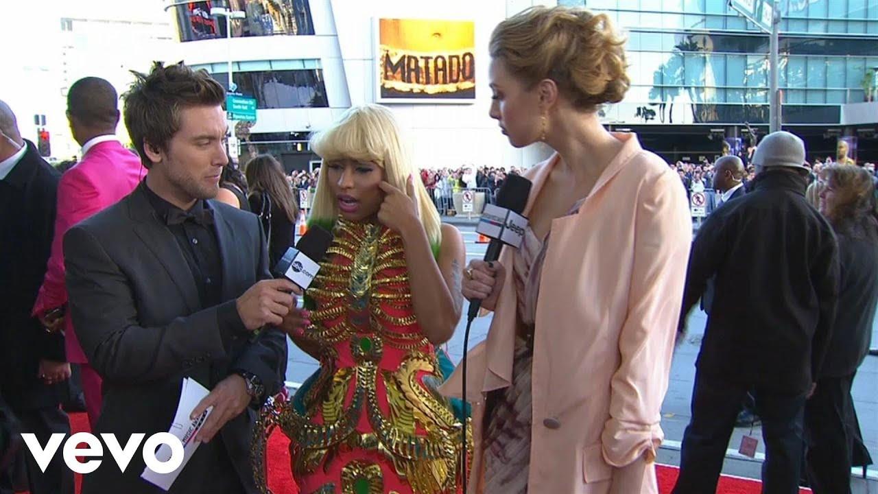 Download Nicki Minaj - 2010 Red Carpet Interview (American Music Awards)