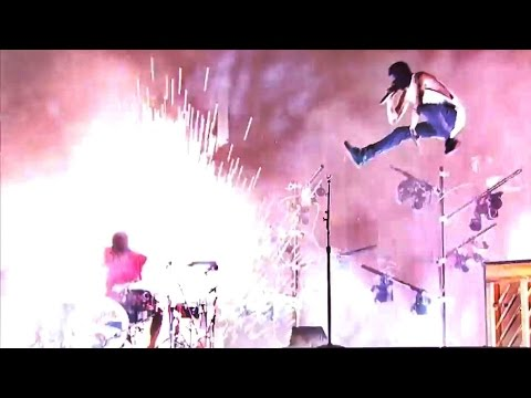 Twenty One Pilots - Live AMAs 2016 Full Concert HD
