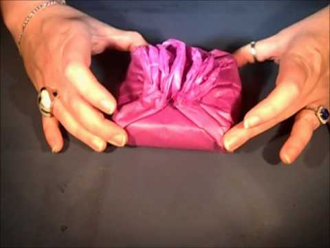 Rose-Wrap Tissue-Wrapped Gift Wrapping Tutorial