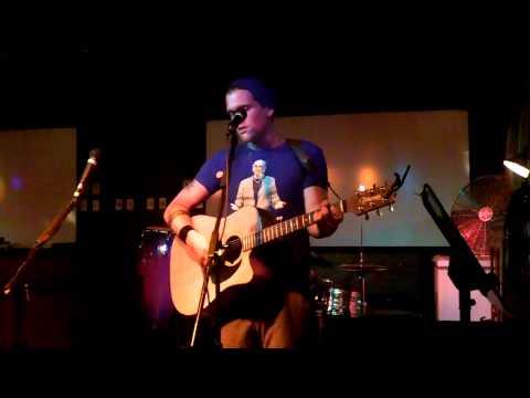 Matt Geczy covers Dameon Rice at Bayside Inn
