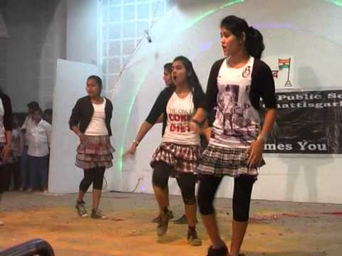 beautiful bollywood dance in shantiniketan school girls