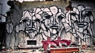 Iemza - StreetArt(Reconozco que siento auténtica debilidad por las obras de Iemza, un genial artista urbano francés que suele intervenir en fábricas y solares abandonados a las ..., 2012-10-06T09:21:56.000Z)