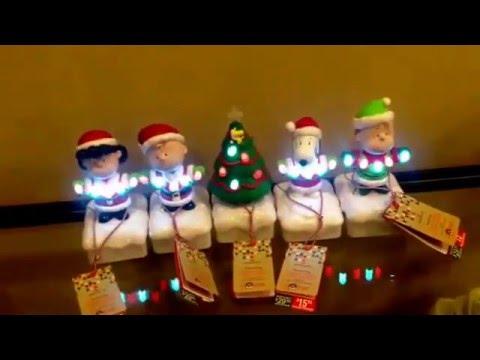 Hallmark Peanuts Gang Christmas Lightshow 2015 - YouTube