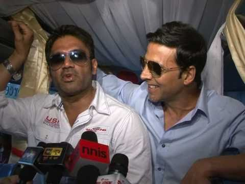 Akshay Kumar & Sunil Shetty Promoting Movie Thank You on Mumbai Streets  Bollywood Interviews