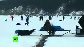 Огромная льдина с людьми откололась во время рыбалки на Сахалине(На Сахалине сотни людей едва не оказались в ловушке на льдине, отколовшейся от основного массива. Изначальн..., 2016-03-30T15:54:19.000Z)