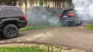 Audi Q7 vs Jeep 4x4