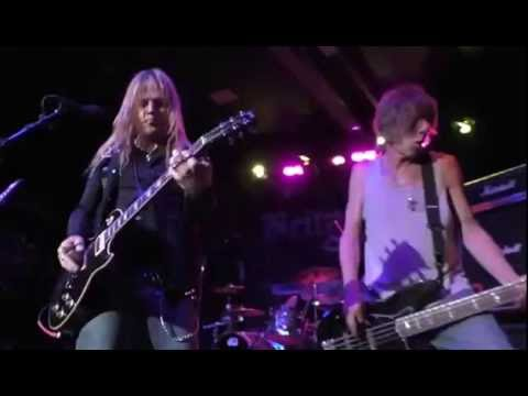 Britny Fox - Six Guns Loaded (Live HD) at the Buffalo Rose, Golden, CO - June 4, 2016