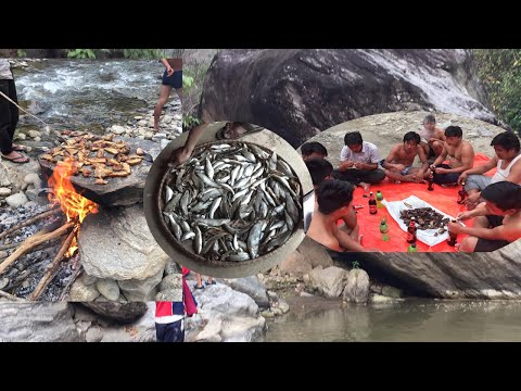 गाउमा माछा मार्दै  अनि  रमाइलो पनि | Fishing In Village With Fun.