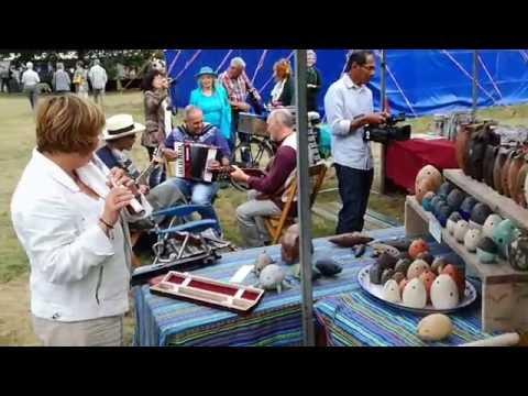 Band playing nice music during ceramic market in Plasmolen