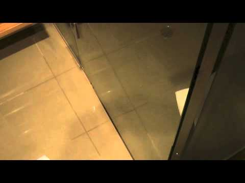 Oaks Hotels & Resorts: iStay precint Adelaide, Australia (2 Bedroom skyview apartment Issues)