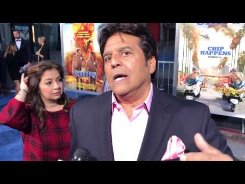 Erik Estrada talks CHIPS Being a Cop in Real Life!