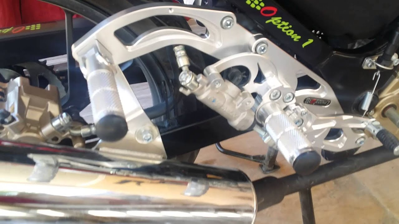 Custom chinese rear set brake light install tutorial with banjo.