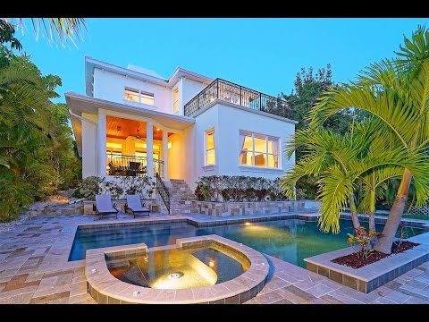Executive Waterfront Home with Gulf Views in Sarasota, Florida