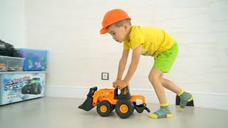 Глеб играет с большими игрушечными Машинками и Экскаватором JCB. Эрик стал маленьким / Erik Show