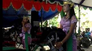 Video Prajurit ebeg wadon dlang tak dlangtak hokya /sekar budaya somawangi download MP3, 3GP, MP4, WEBM, AVI, FLV Februari 2018