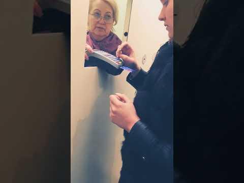 Злая бабка в аптеке