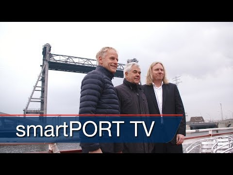 Opening of Europe's largest drawbridge in the Port of Hamburg