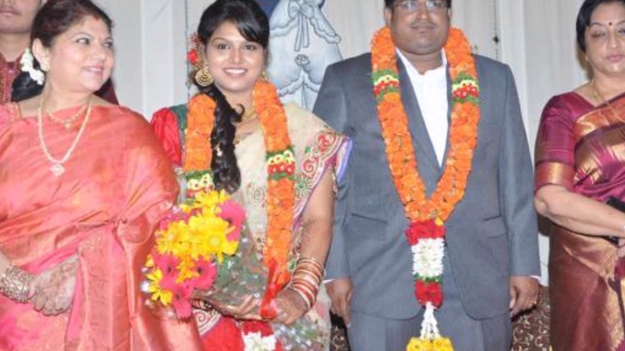 Celebrity at actress Y Vijaya daughter wedding celebrations - YouTube for Y Vijaya Daughter  288gtk