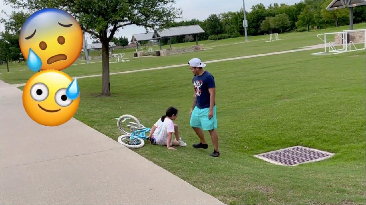 DAD TEACHES DAUGHTER TO RIDE BIKE! 🚴 *fail*