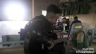 Cover guitar... Bà hát hit của chàng lính CSCĐ xa nhà gây xôn xao dư luận