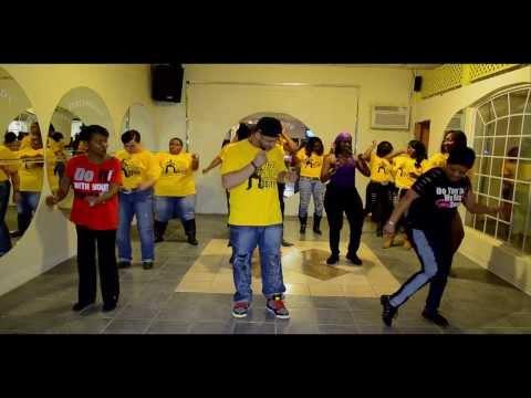 (S.M.I.L.E.) Line Dance by Pat Cel & Line Dance Clique feature Cheryl Williams & Guest