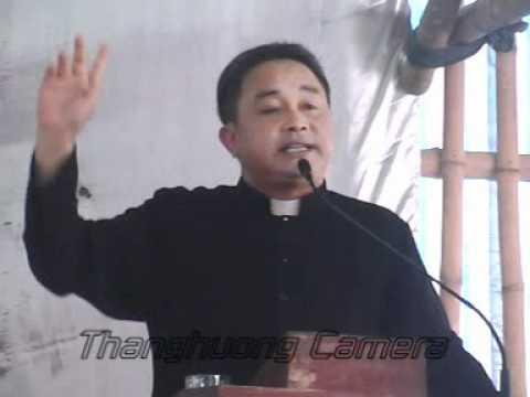 Cha Antôn Phạm Đình Phùng với Gia Đình Thánh Tâm 2011