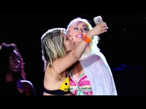 Katy Perry Fan Kisses And Gropes Singer Onstage, Assault?