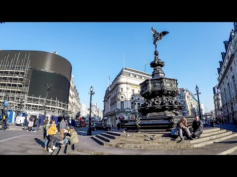 Walking in London. From Covent Garden to Piccadilly Circus to Oxford Circus