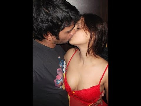 Download Kids Couple Hot Kissing