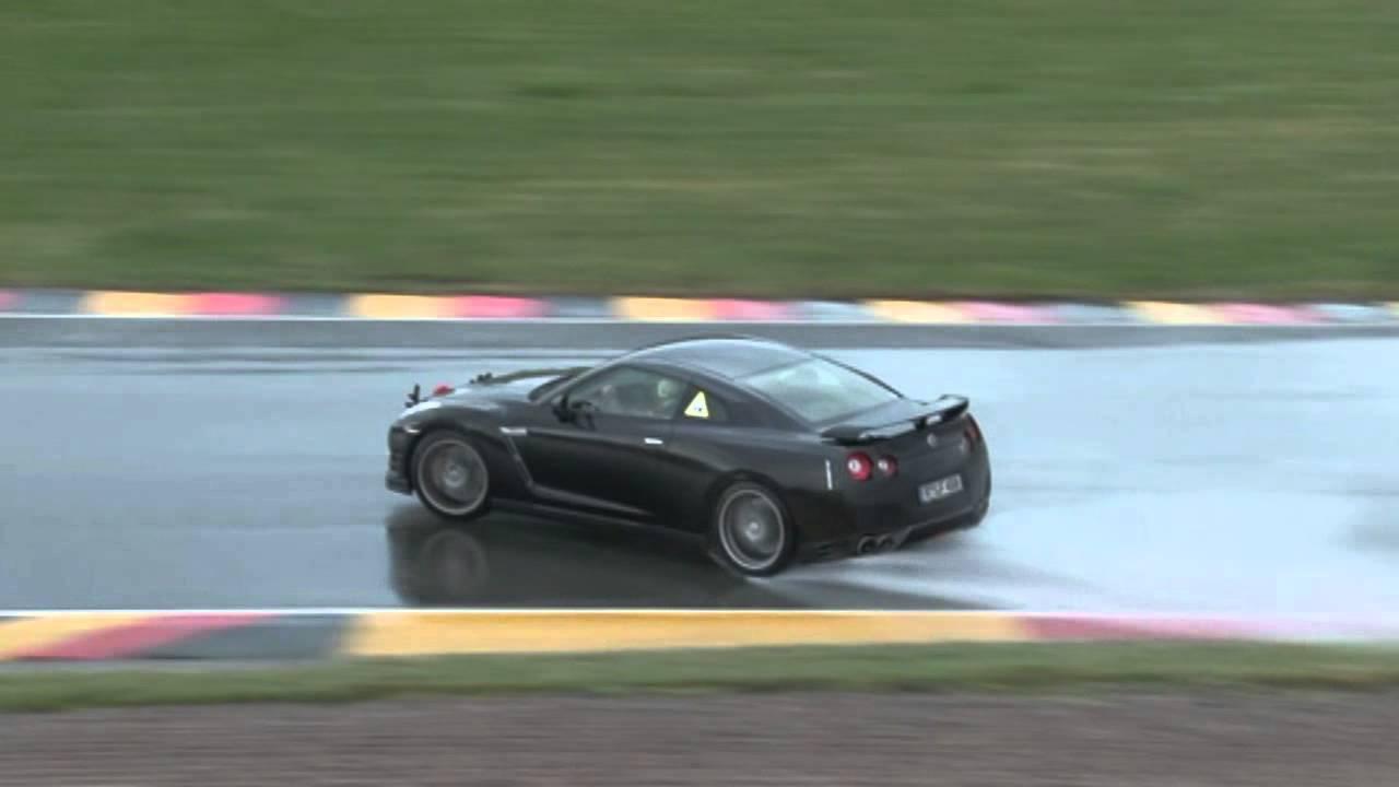 Nissan GTR Drift - YouTube