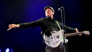 Blink 182 - All The Small Things at Reading 2014