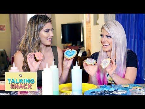 Alexa Bliss' hilarious sugar cookie fail: Talking Snack