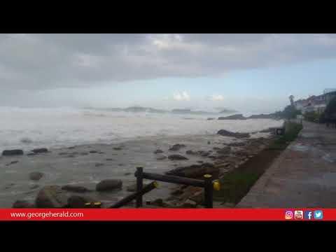 Massive waves at Victoria Bay