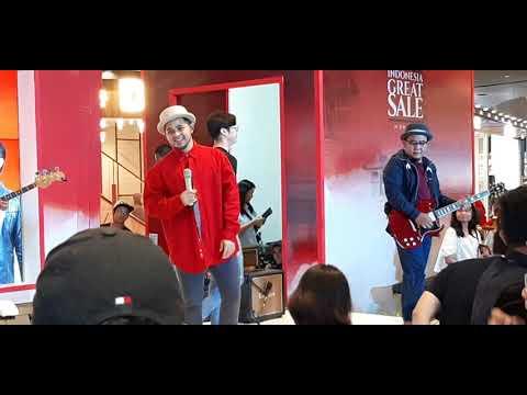 Yovie And Nuno - Medley 2 Lagu (Live At AEON Cakung) 18 Agustus 2019
