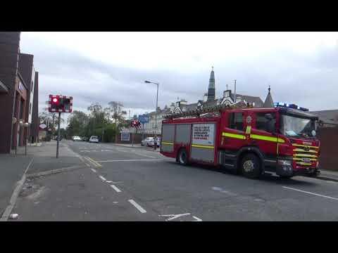 merseyside-fire-&-rescue-service-kensington-rescue-pump-turnout