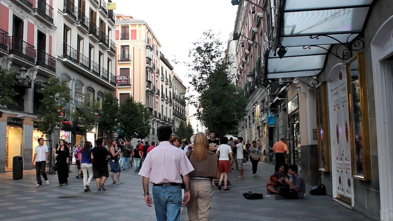 Madrid calle arenal youtube for Calle sol madrid