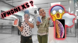 Buying My 5 &7 Year Old Sisters The NEW IPHONE!