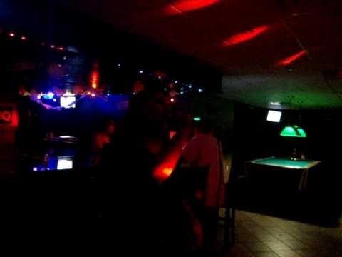 La Mina Nightclub Karaoke-Completamente enamorados-David