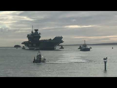 HMS Queen Elizabeth arrives Portsmouth Harbour