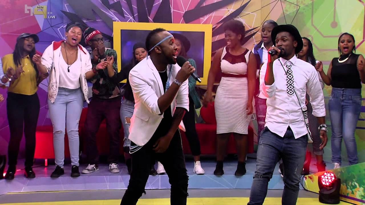 Nathi ft Vusi Nova performs Nomakanjani - Live Performances